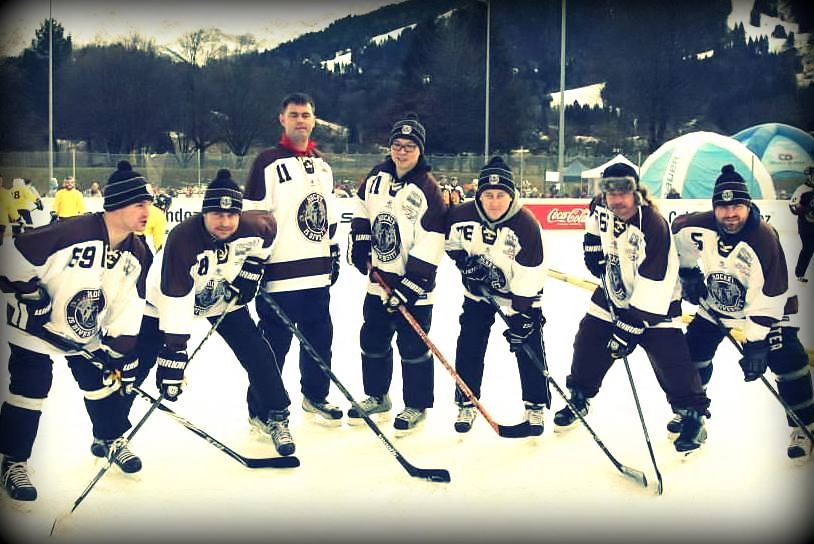 Das Hockey is Diversity Pondhockey Team